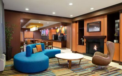 Fairfield Inn & Suites Roseville, MN lobby and fireplace