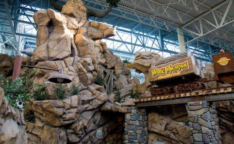 Mall of America Moose Mountain Adventure Golf Minnesota